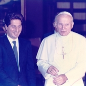Photo 29 of 88 - Pape Jean Paul II 28111983