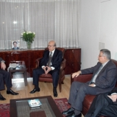 Photo 3 of 25 - Former President meets maronite Ligue 21022008