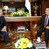Photo 29 of 56 - Egyptian President Husni Mubarak meets with former President Amine Gemayel 05032007