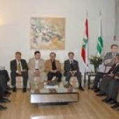 Photo 3 of 56 - Former President meets Emile Rahmeh with a delegation 08052007